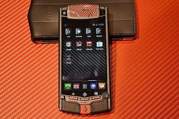 NEW VERTU FERRARI TI HANDS ON LUXURY PHONES-6