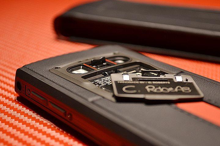 NEW VERTU FERRARI TI HANDS ON LUXURY PHONES-8
