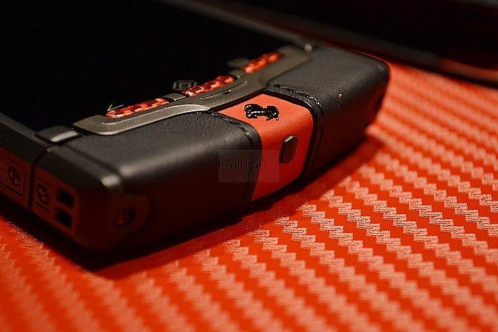 NEW VERTU FERRARI TI HANDS ON LUXURY PHONES-9
