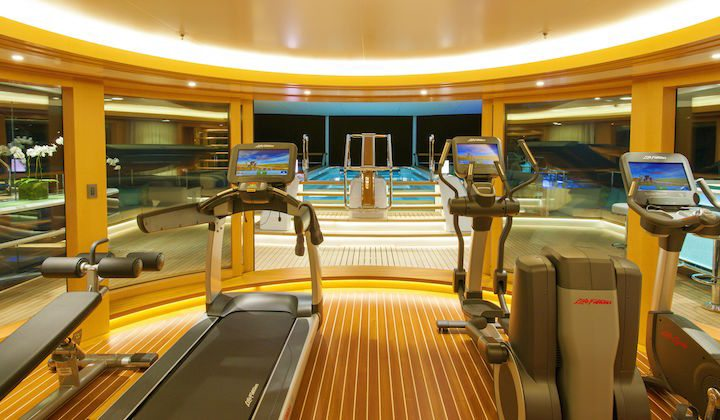 gym-luxury-yacht-has-everything-solandge