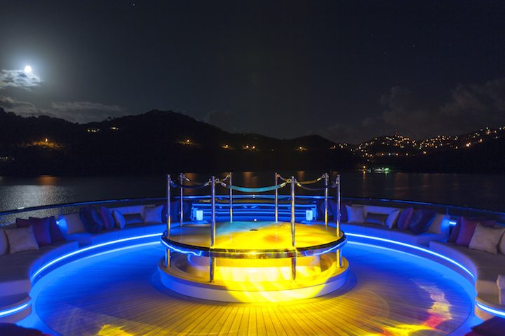 jacuzzi-deck-night-lights-Solandge
