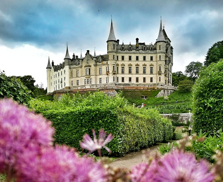 Dunrobin Castle in Northern Scotland. Shot with Honor 8 Pro. Edited using higher saturation.