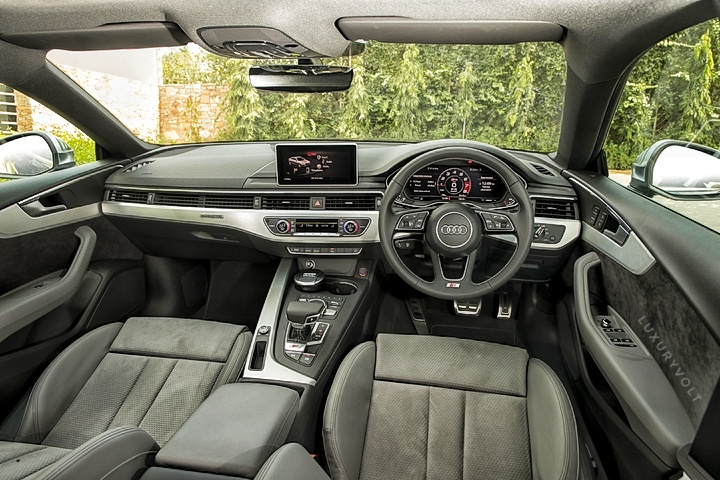 Driver may miss the bottom-flat steering wheel which was present in the older S5