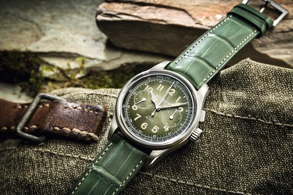 Montblanc green dial vintage watch is a monopusher. Priced at 28,000 Euros the green dial Montblanc monopusher will be made limited to 100 watches